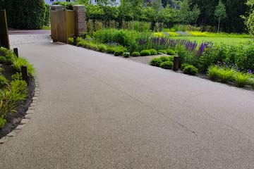 After Pressure Tech cleaned the Resin Driveway in Otford, Kent TN14